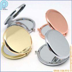 Gương trang điểm kim loại